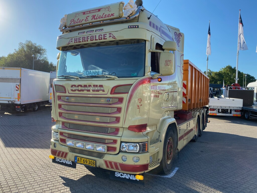 Scania R580 LB 8×4*4 HNB m. Kroghejs