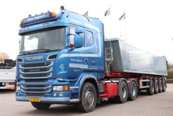Kommission Claus Søgaard Scania R560 6×4 m. Hydraulik + Kel-Berg 4 Aks. Alutiptrailer 37 m3