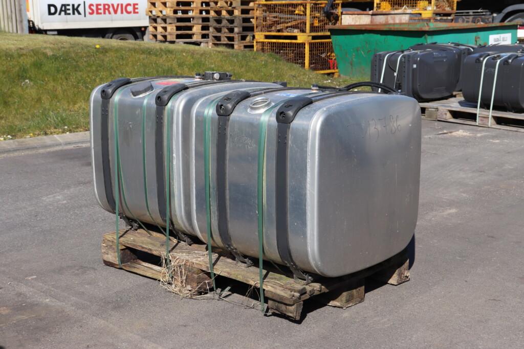 Scania brændstoftanke 300l