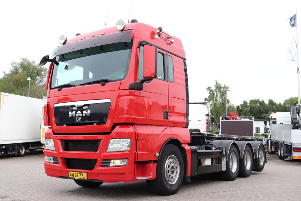 MAN TGX 35.480 8×4-4 BL m. Wirehejs